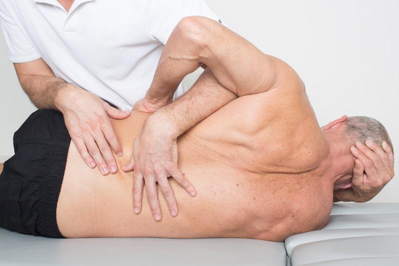 Erst Biss-Korrektur – dann Anpassung durch den ganzheitlichen Orthopäden, Osteopathen oder Physiotherapeuten